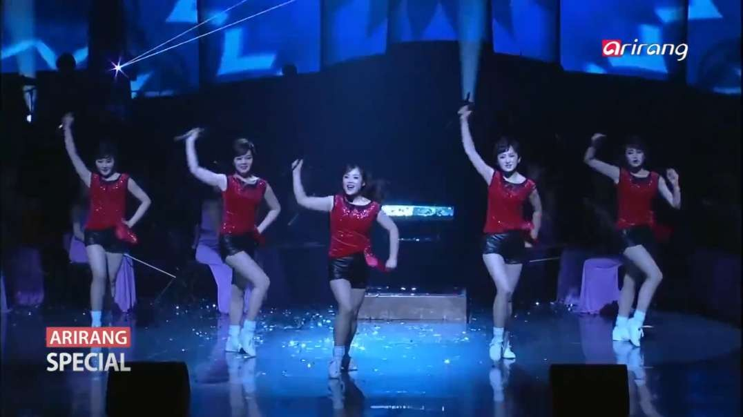 Beautiful North Korean Girl Group Moranbong performs ''Dash to the future'' in South Korea+English