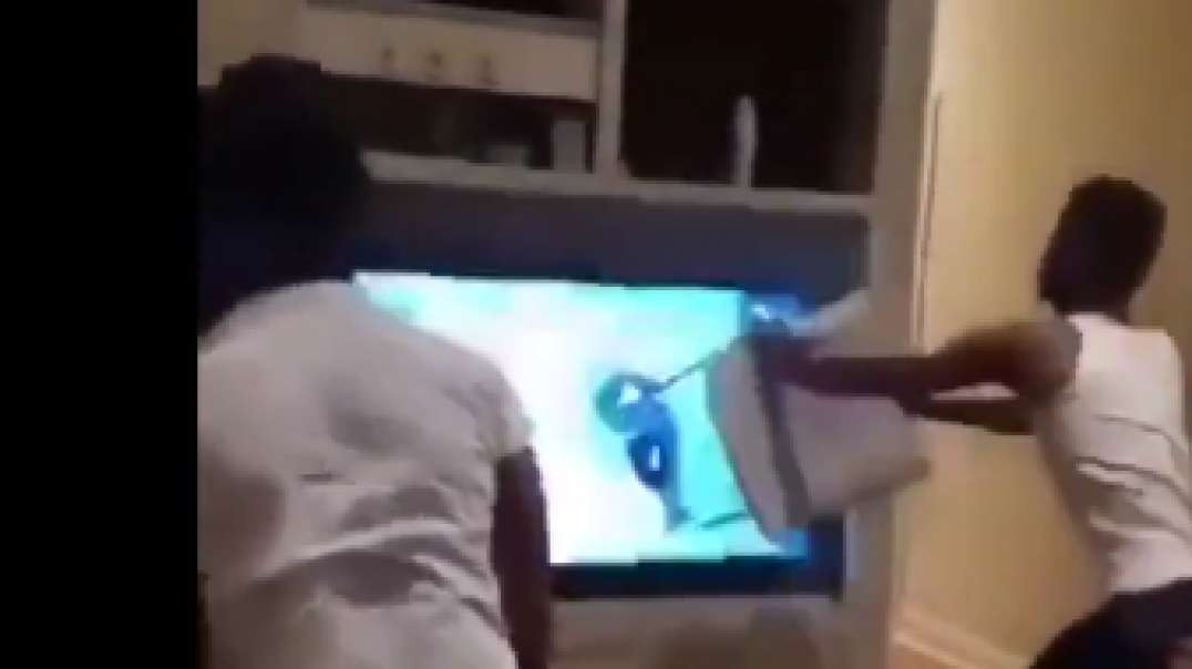 Kang smashes TV after he loses bet