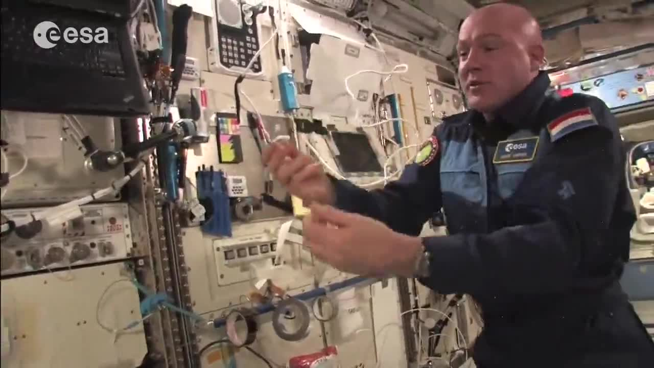 """Astronauts Busted Dropping Objects In """"Zero Gravity"""" ISS Exposed"""