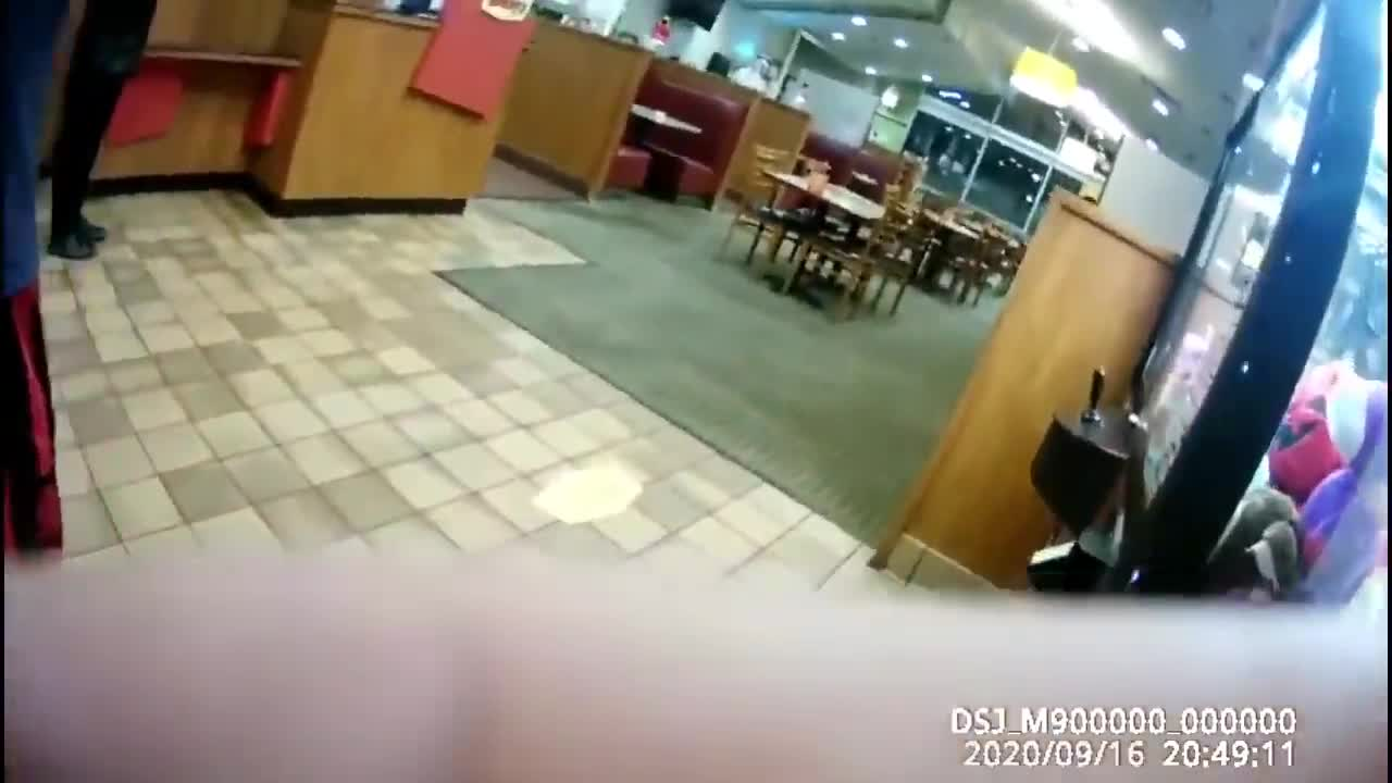 Poor Denny's employee quits on the spot after being tired of dealing with fucking arsehole anti maskers