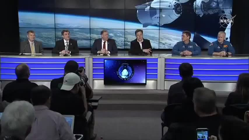 ALEX JONES ON LOCATION AT ELON MUSK'S SECRET MOON BASE