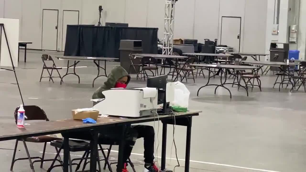 FULTON COUNTY, GA!:  🚨 No Republican observers are present at Georgia World Congress Center where single individuals are scanning & adjudicating ballots. I was told they are not Dominion reps. No dual control. No observers.