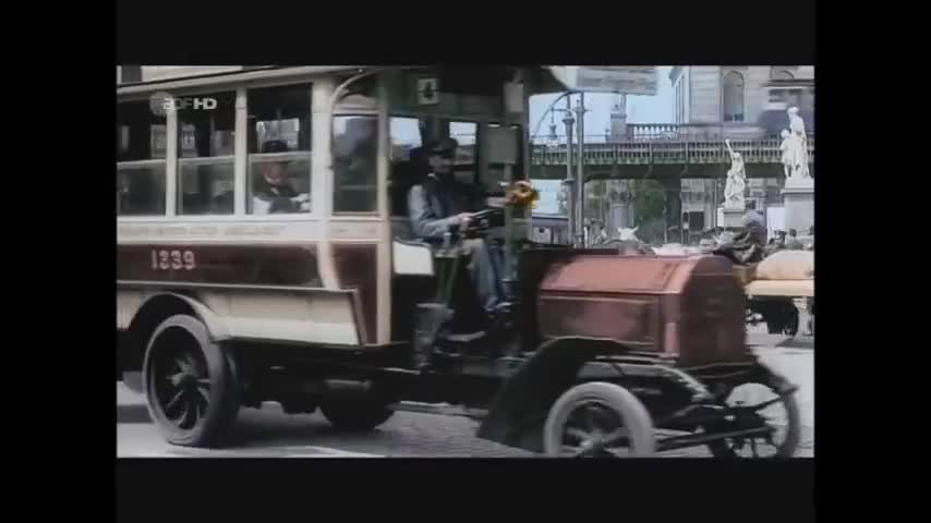 Look what you made me do- Taylor Swift Ft. Adolf Hitler