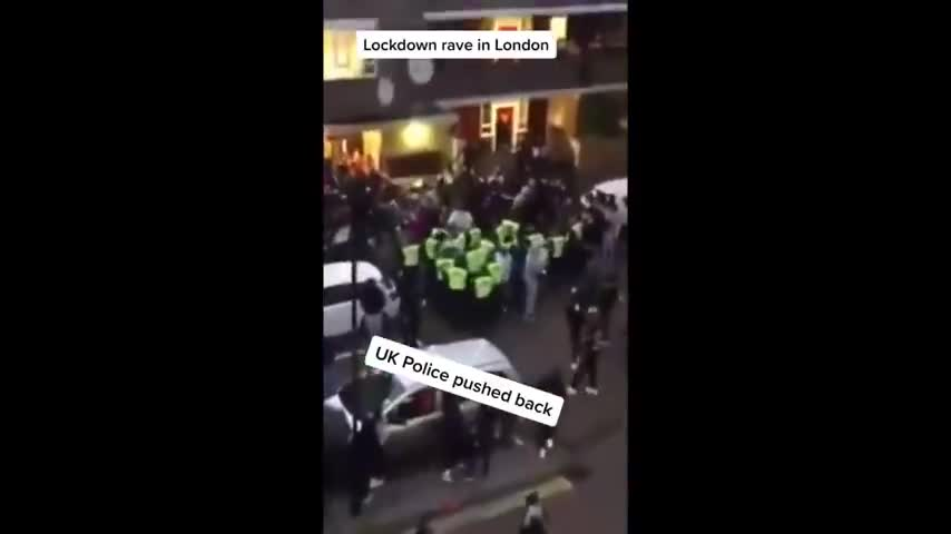 UK Police Pushed Back By Anti-Lockdown Protesters