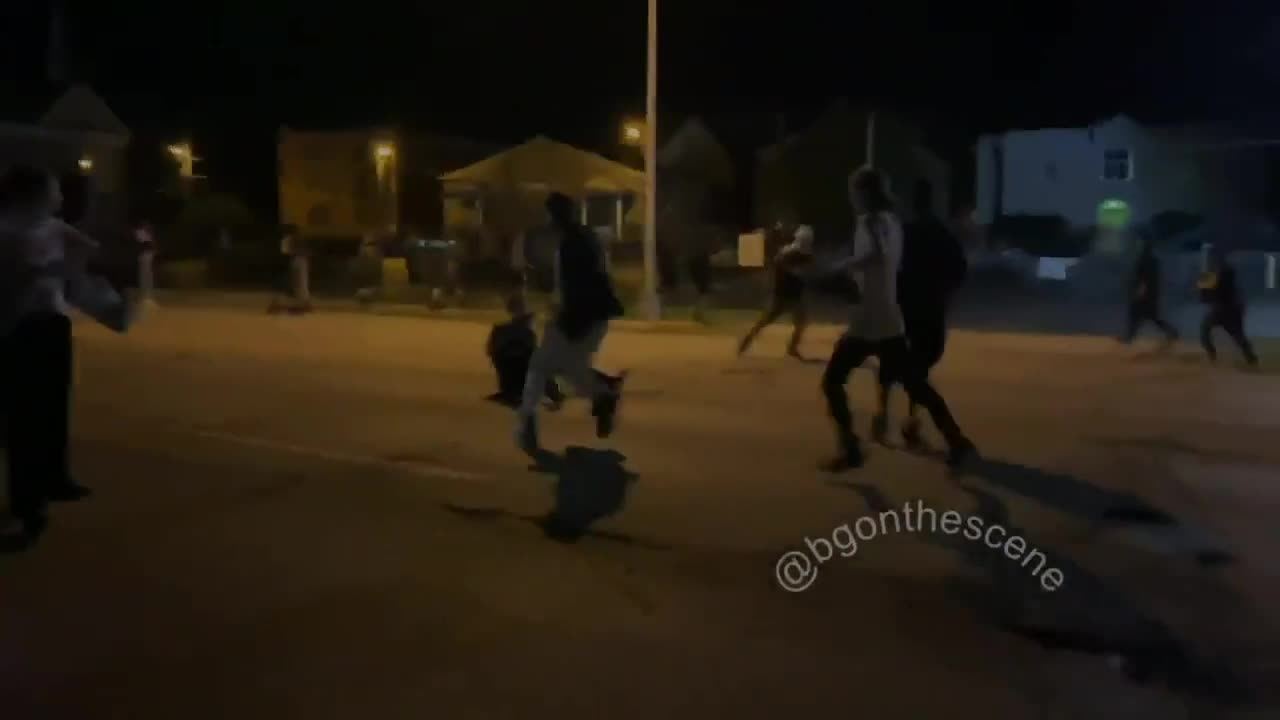 Kyle Rittenhouse Shooting - Guys Arms Blown Off (Graphic Footage)