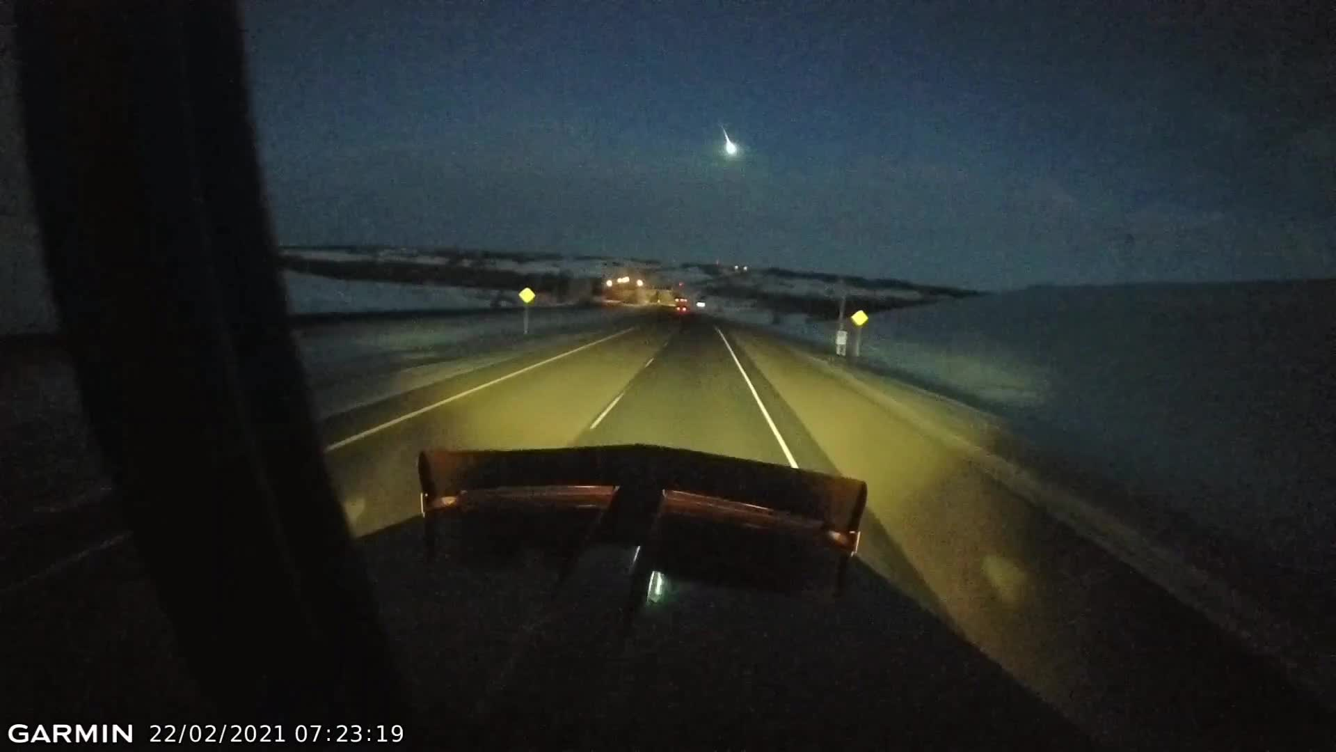 Sask & Alberta CA residents witness fireball hurtle across the sky!