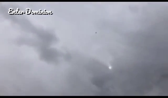 Video shows the moments debris from #UA328, a Boeing 777, started falling!
