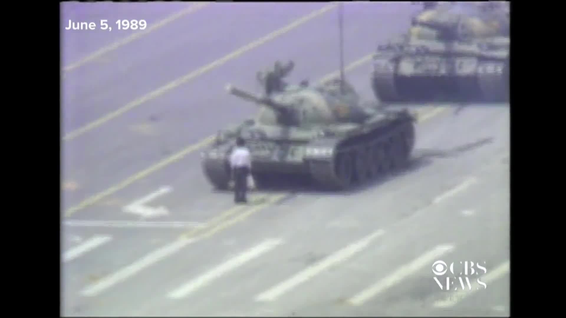 1989_ Man stops Chinese tank during Tiananmen Square protests