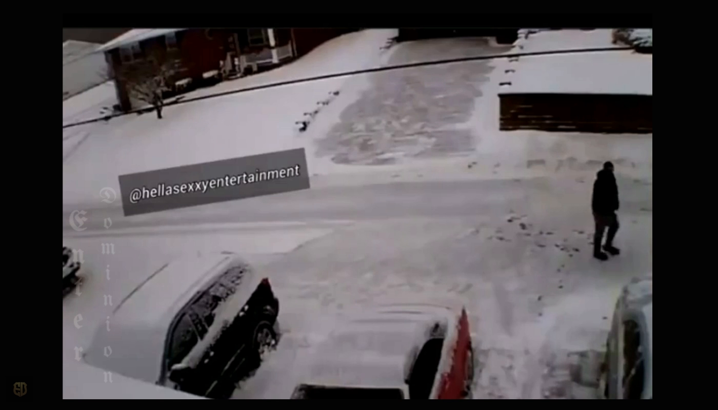 Mad World - deadly snow shoveling shooting!