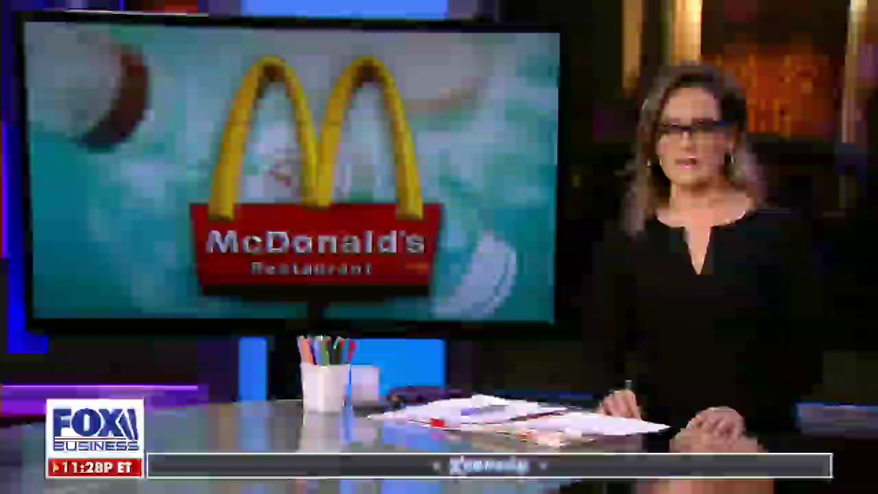 """Mcdonalds will pay employees 4 bonus hours to get the """"covid shot"""""""