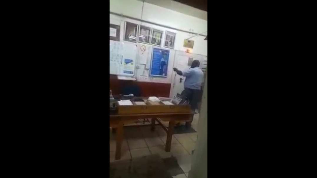 """7 March 2021.  South African police """"service"""". This is the usual level of fucks they give about anything"""
