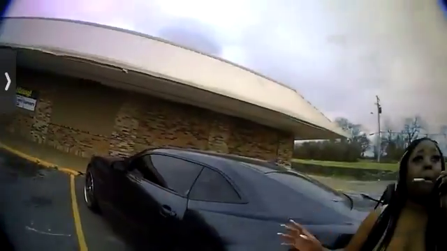 Officer hesitates and gets shot by black woman in Nashville