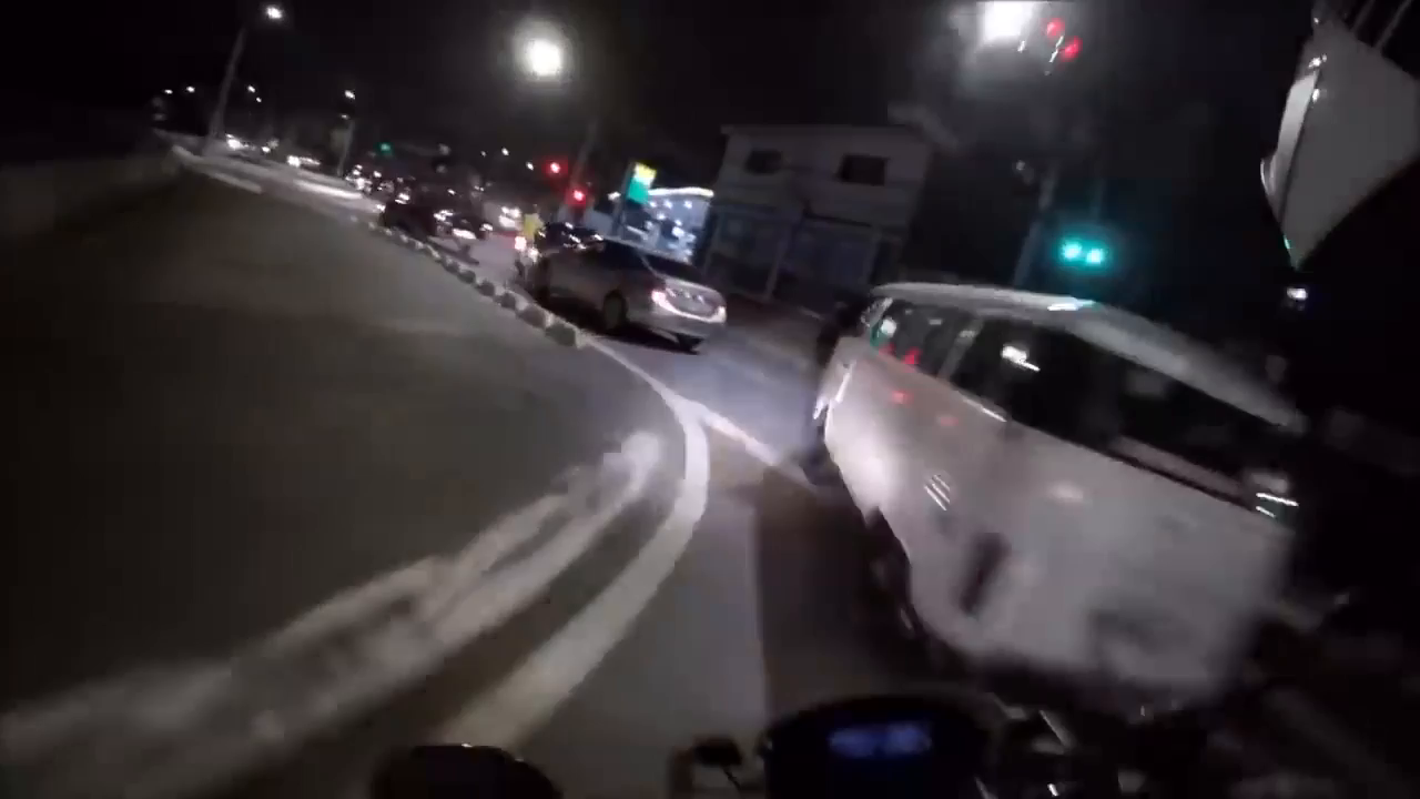 ⁣An Insane Police Chase In Brazil
