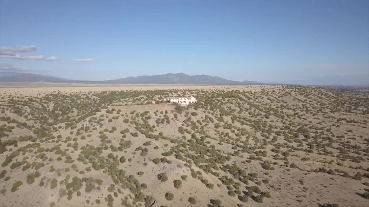 Jeffrey_Epstein_s_New_Mexico_Ranch-7be7a53b-c850-419f-a7ad-467bfe194205