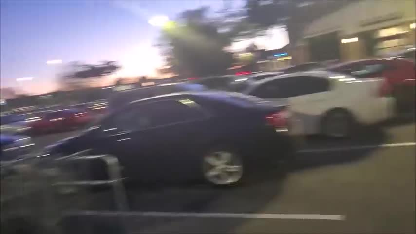 Sprouts Farmers Employees get Emasculated by a Muzzleless Shopper