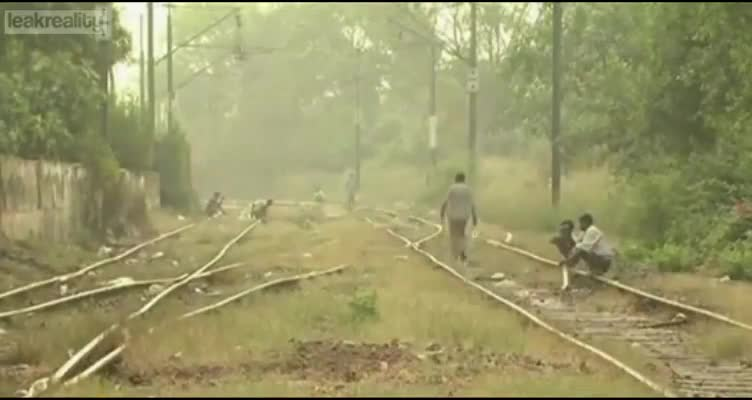 STREET SHITTERS OF INDIA!
