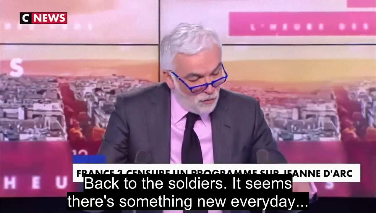 ⁣ As the situation deteriorate between politicians and soldiers, a former French General already known (and demoted) for his support to the Yellow Vests movement answer back to the received accusations in a quite synthetic manner