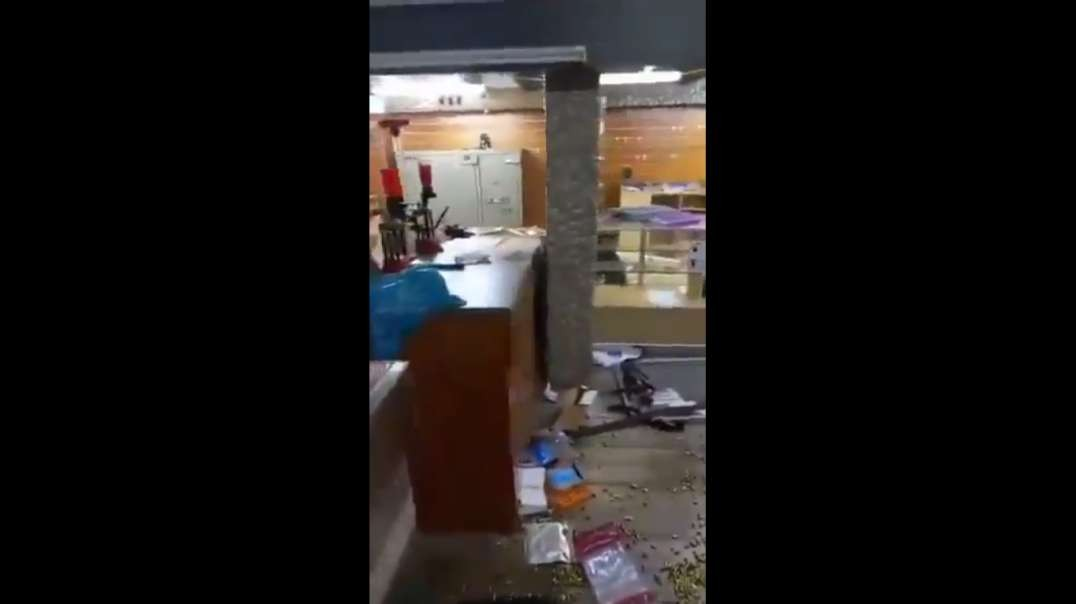 """Natal Gun store looted in the """"rainbow nation"""", so now we have heavily armed looters running around South Africa."""
