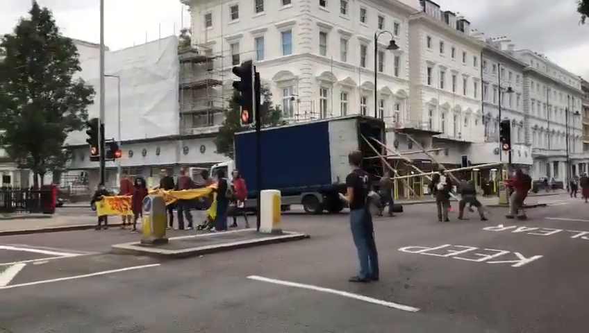 Police were far too quick for Extintion Rebellion in London