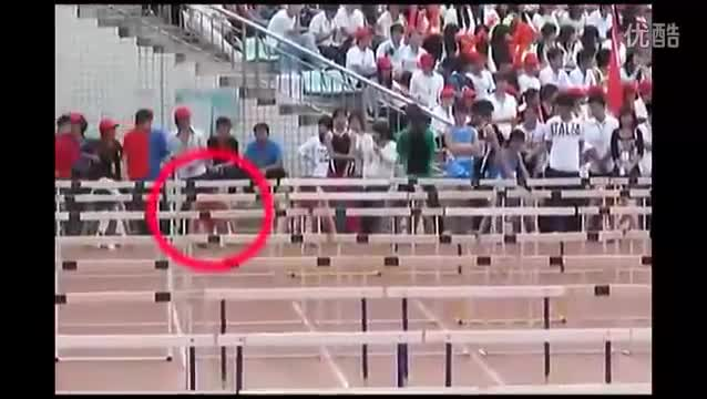 Chink destroys all Hurdles in his path