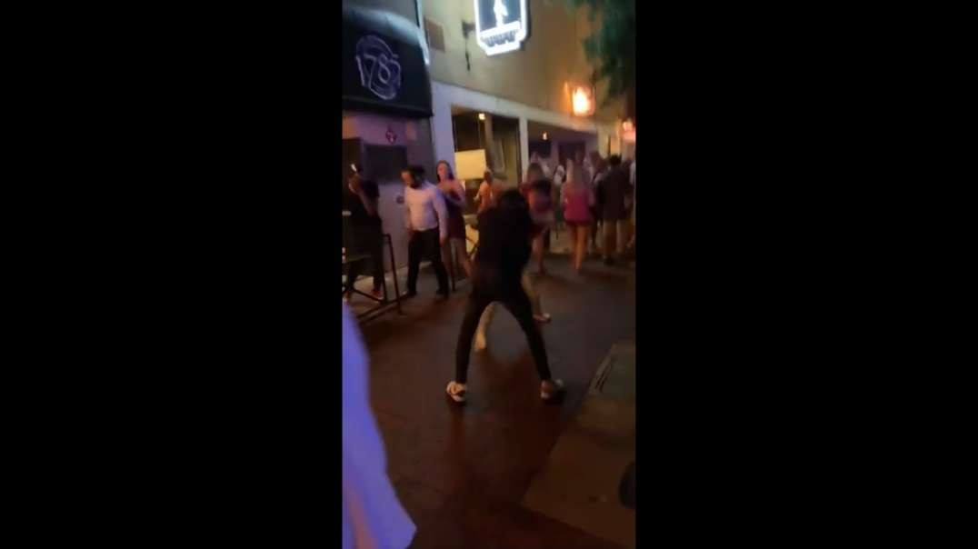White kid getting attacked 3 to 1 by blacks but he never quits