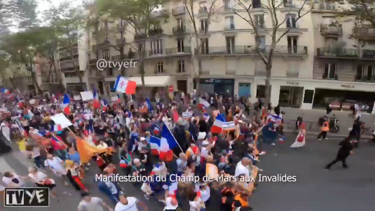 Complete time-lapse video of the 3 protests on September 4th in Paris against the vaccine passport. This is just Paris, there were over 200 protests in France!