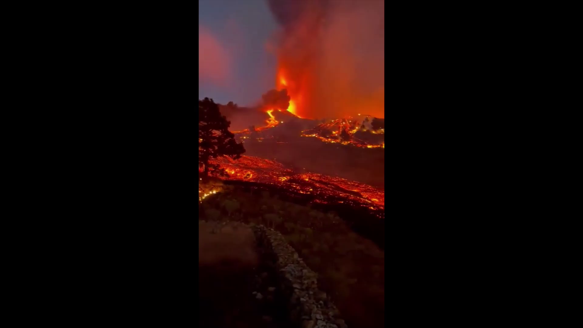 some weather we're having #8 - Recent footage of the Lava flow from La Palma, Spain's Canary islands