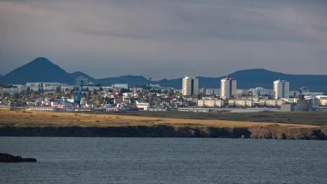 Strong Earthquakes -  New Eruption Can Occur Soon In Iceland