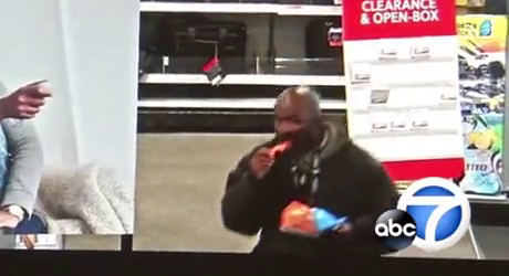 Gibs me Dat - Nig Nog eating Cheetos sucker punches White lad inside a Best Buy and steals their phone
